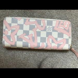 Accessories - Louis vuitton tahitienne wallet